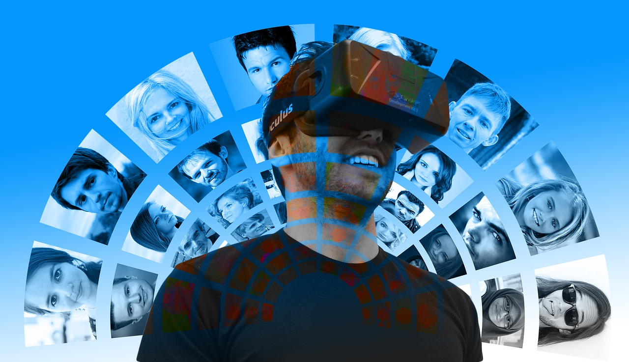 Virtual Reality Social Media